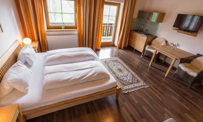 Grüne Erde Familienzimmer mit Teeküche, Bacherhof