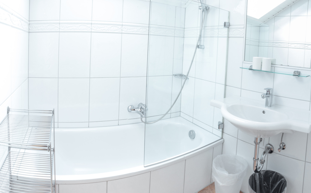 helles komfortabels Badzimmer, Bacherhof