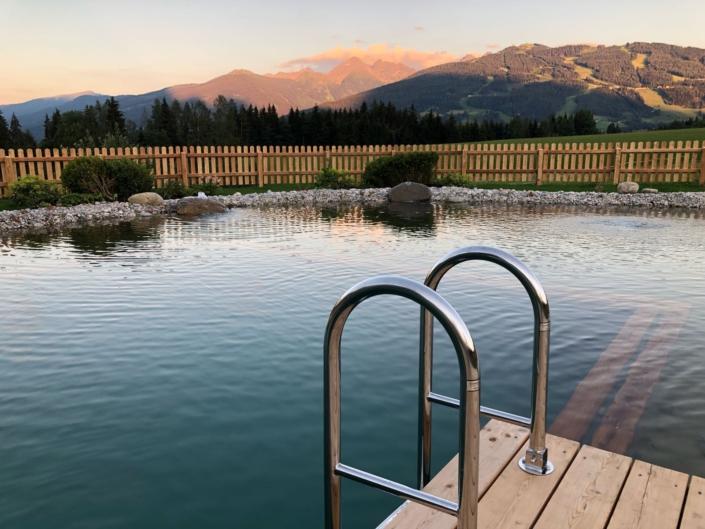 schwimmen im Natur Pool, Bacherhof Ramsau am Dachstein