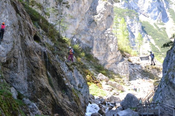 Seilbrücke zum Rosina Klettersteig in der Silberkarklamm